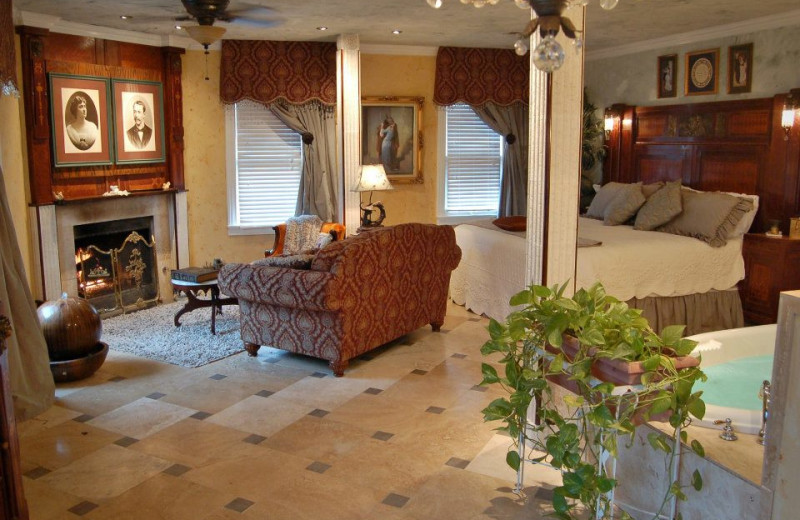 Guest room at Lockheart Gables Romantic B&B.