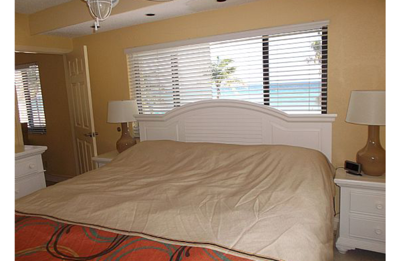 Guest bedroom at Hollywood Sands.