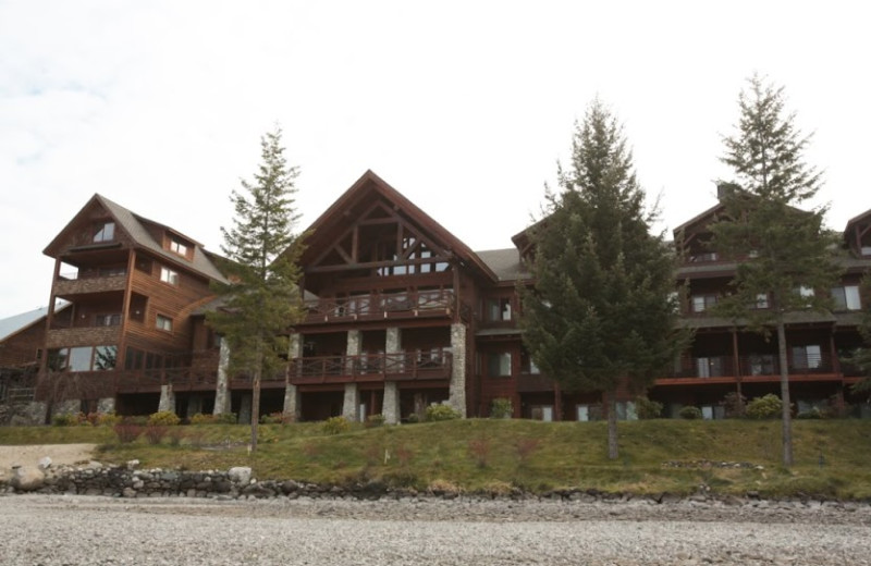 Exterior view of The Lodge at Sandpoint.