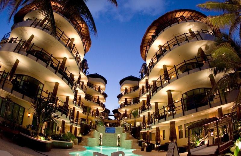 El Taj Oceanfront Beachside Condo Hotel Playa Del Carmen