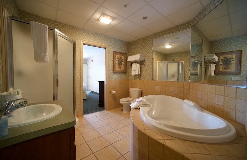 Guest bathroom at Split Rock Resort & Golf Club.