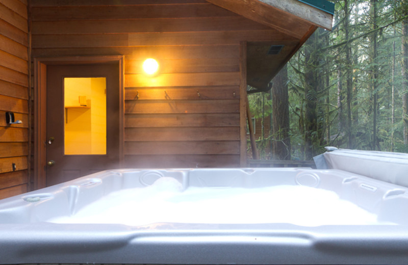 Rental hot tub at Luxury Getaways.