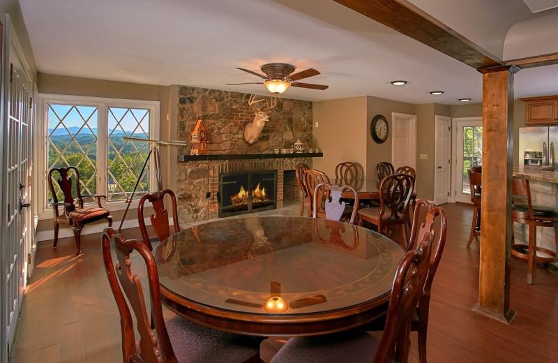 Rental dining room at Elk Springs Resort.