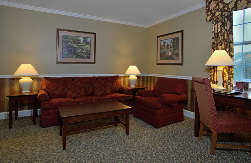 Guest living room at The Spa at Norwich Inn.