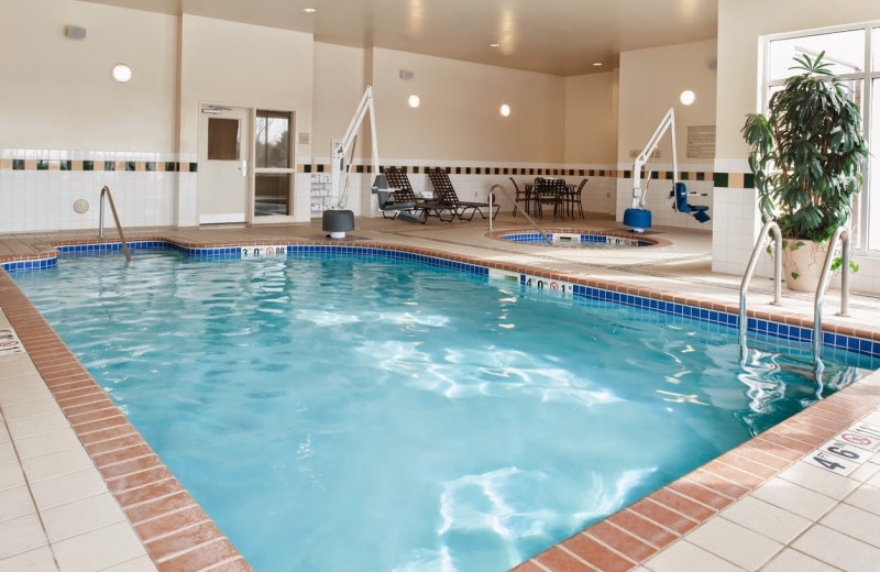 Indoor pool at Hilton Garden Inn St. Paul/Oakdale.