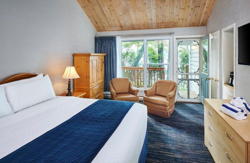 Guest room at Sir Sam's Inn & Spa.