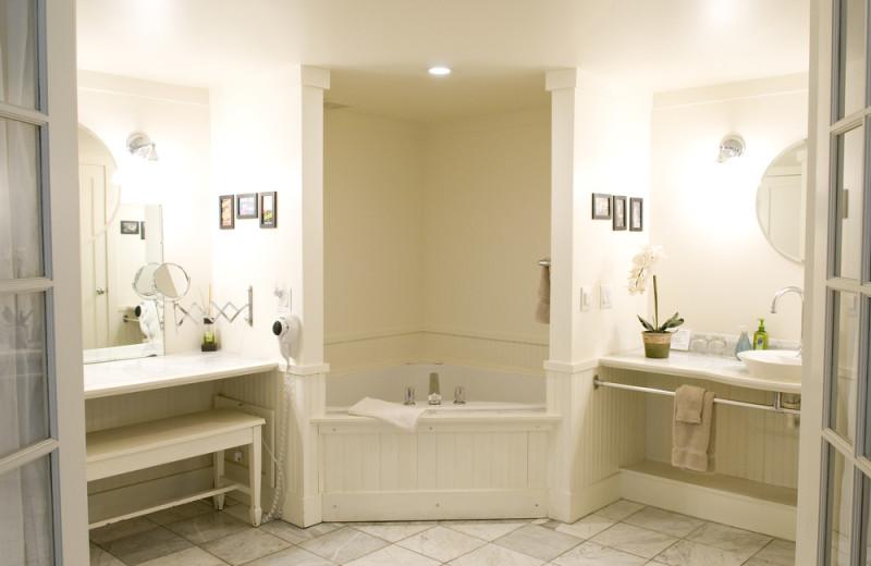 Guest bathroom at Inn On Columbia.
