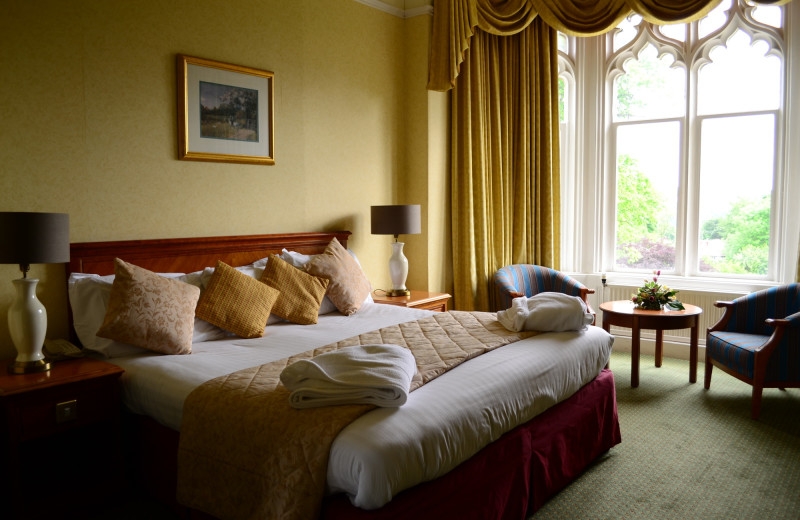 Guest room at Kenwood Hall.