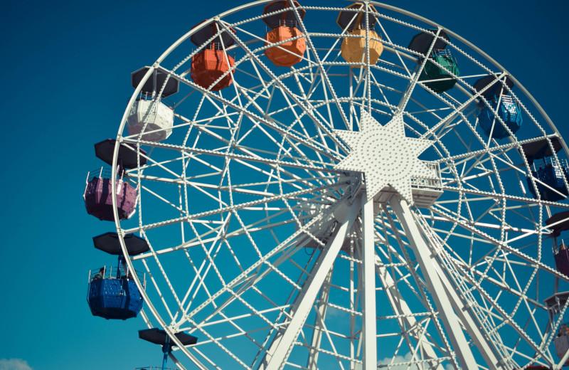Ferris wheel at Aqua Breeze Inn.