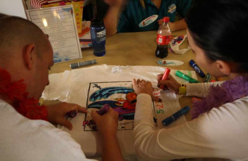 Crafts at Maui Sands Resort & Indoor Waterpark.