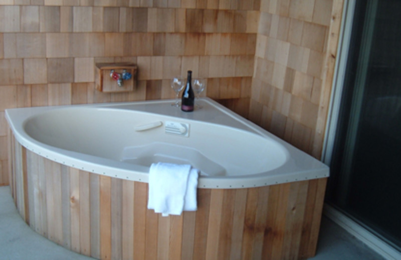 Hot Tub at Inn of the Beachcomber