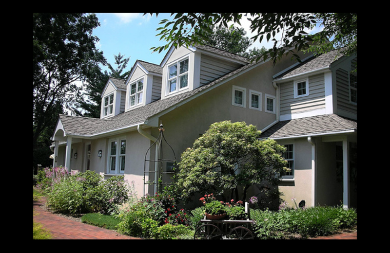Exterior view of Hedgerow Bed & Breakfast.
