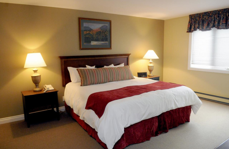 Guest bedroom at Rocky Crest Golf Resort.