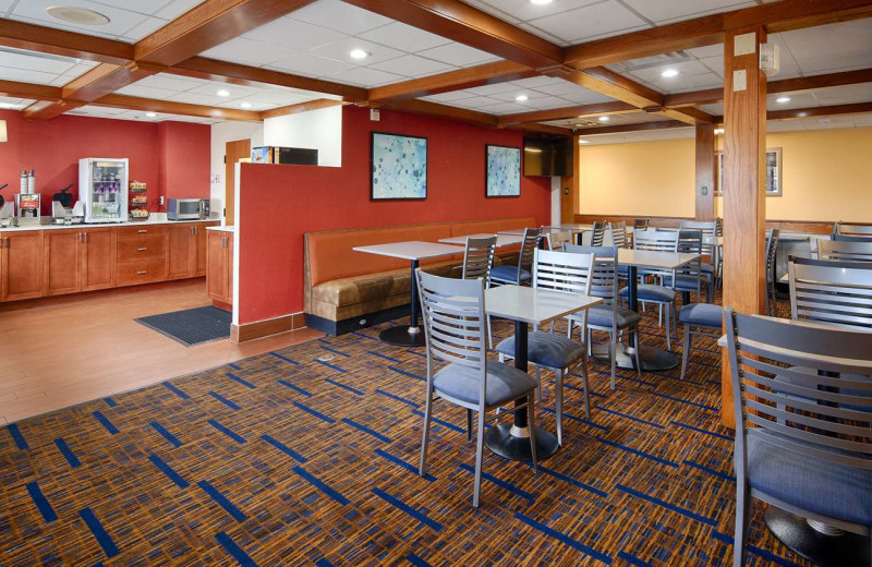 Dining at Best Western - Benton Harbor.