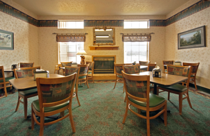 Dining Area at Kelly Inn West Yellowstone Hotel