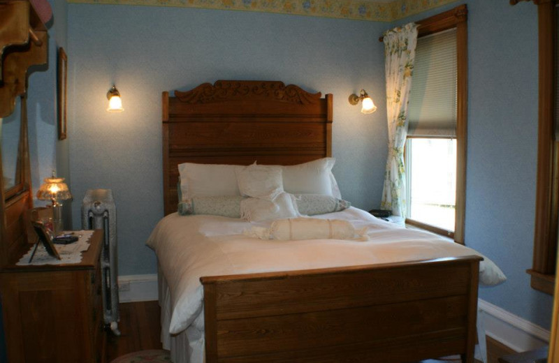 Guest room at The Andrie Rose Inn.