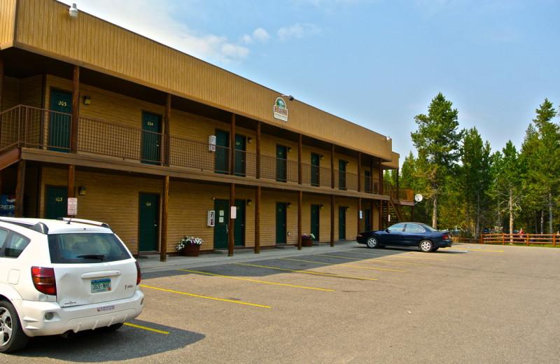 Hotel exterior at Sawtelle Mountain Resort.