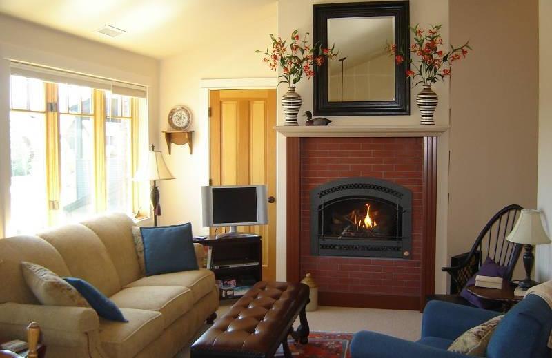 Vacation rental living room at Sisters Vacation Rentals.
