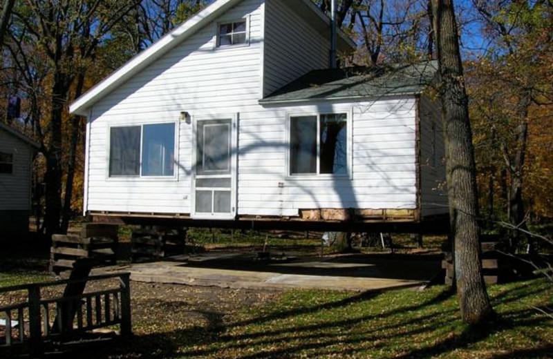 Cabin exterior at Woodlawn Resort.