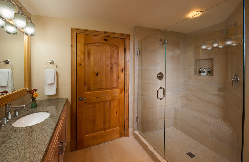 Guest bathroom at Grand Summit.
