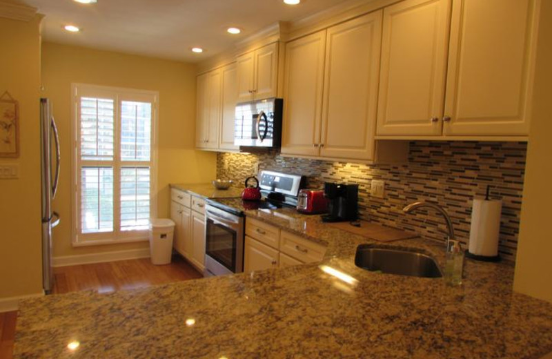 Like New upgraded fully equipped kitchen
