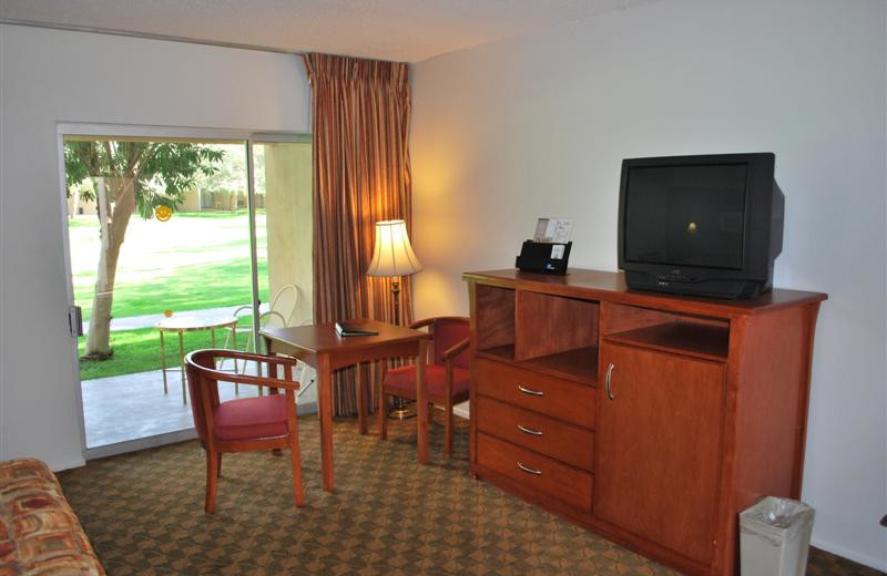 Guest room at Windemere Hotel & Conference Center.