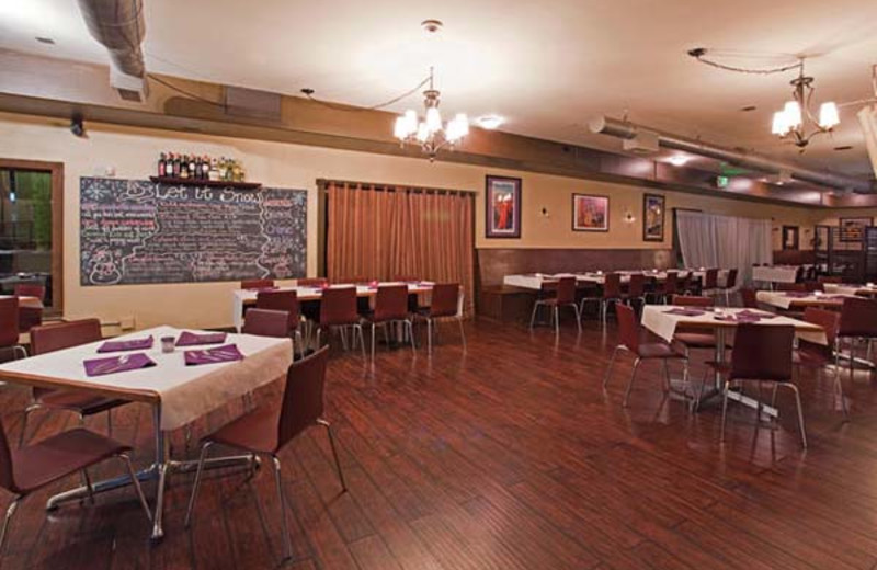 Dining at Holiday Inn Apex Vail