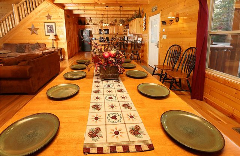 Rental dining table at Eden Crest Vacation Rentals, Inc.