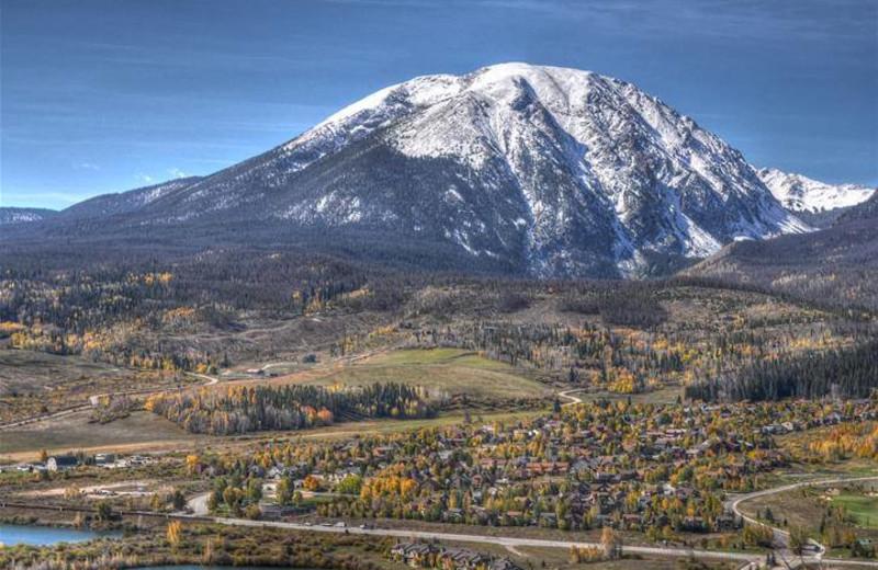 Mountain view at Twin Season Vacations.