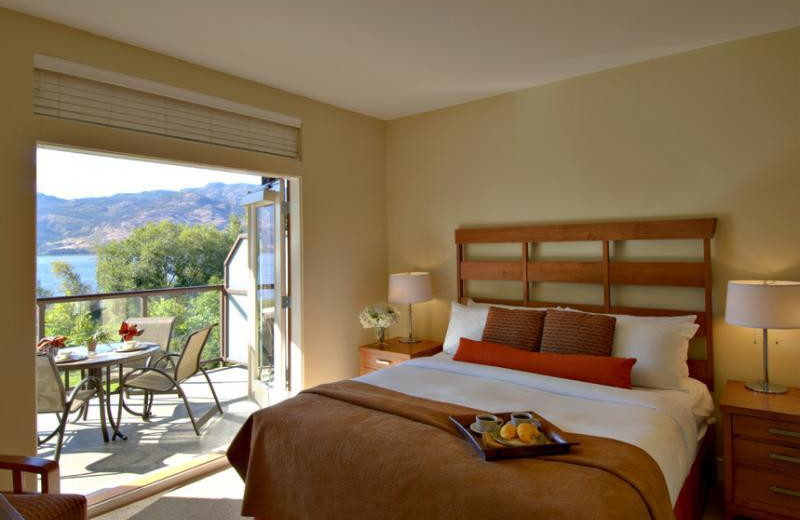 Guest room at The Cove Lakeside Resort.