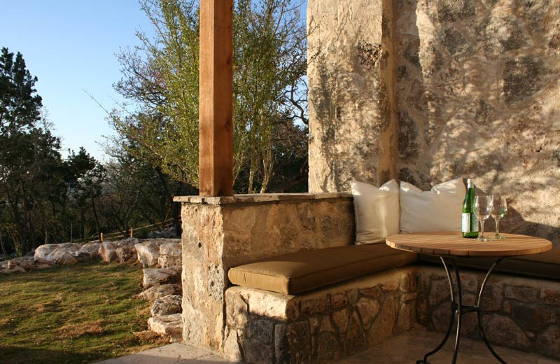 Romantic Seating at Stablewood Springs Resort
