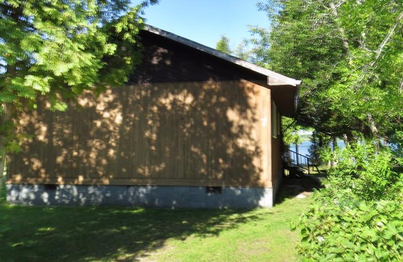 Cottage exterior at Evergreen Resort.