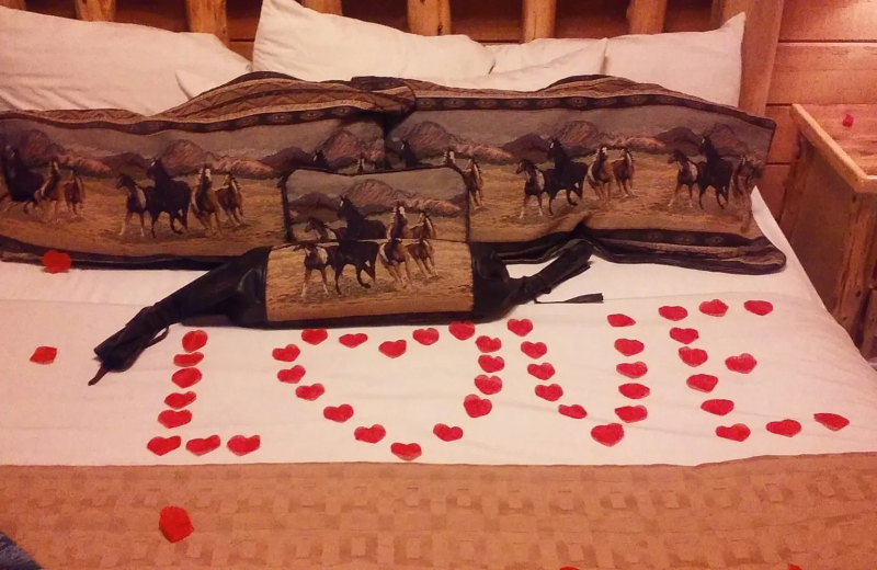 Romance packages at Thousand Hills Vacations.
