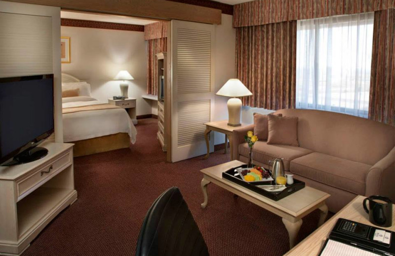Guest Room at the Delta Markham