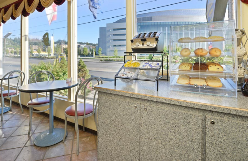 Continental Breakfast Area at University Inn & Suites