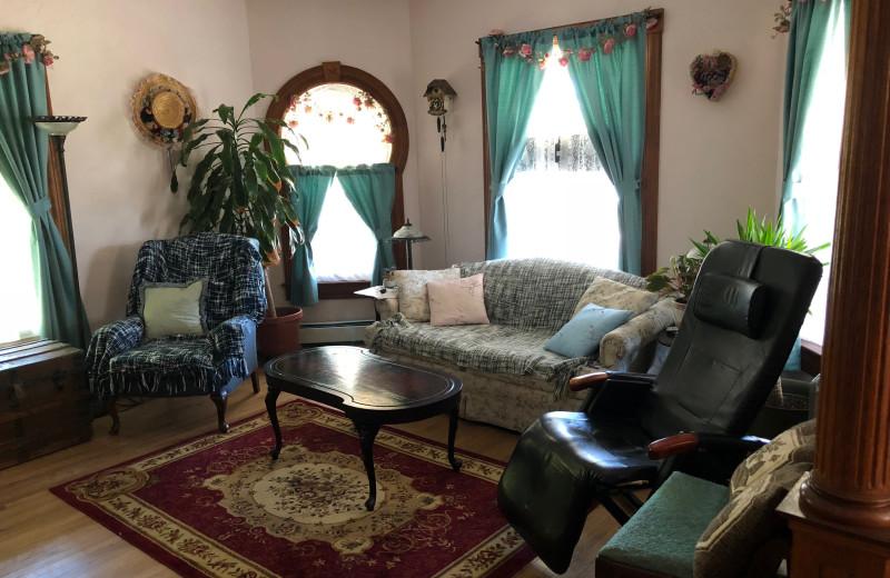 Living room at Antique Rose Inn.