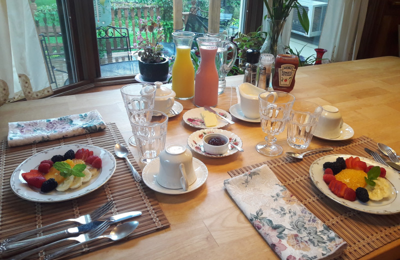 Breakfast at Barclay Heights Bed
