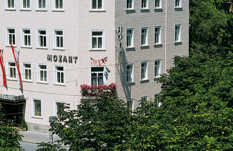 Exterior view of Hotel Mozart.