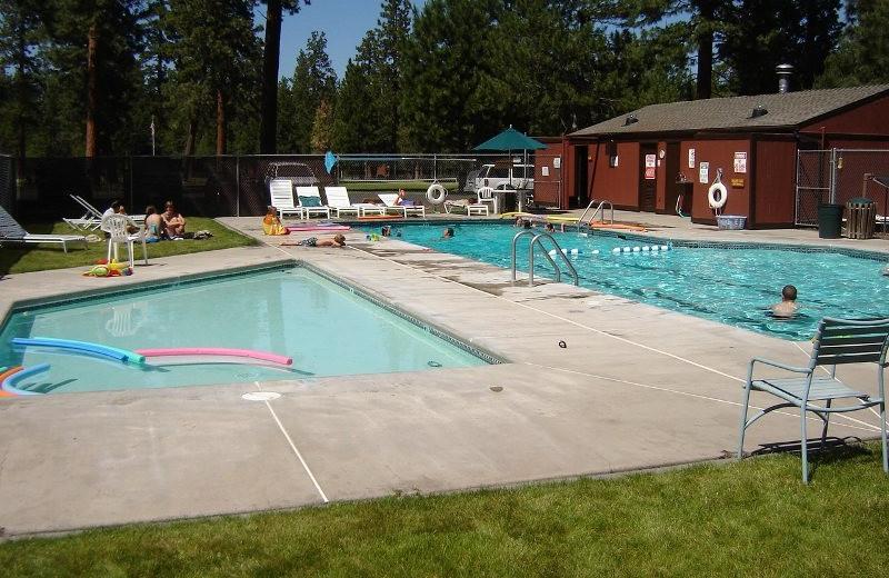 Outdoor pool at Sisters Vacation Rentals.
