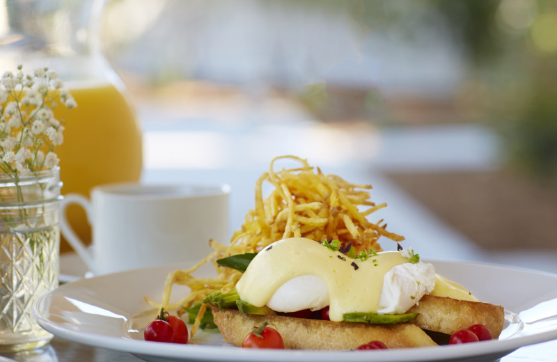 Guest enjoy a daily cooked-to-order farm fresh breakfast prepared by the on-site culinary team of the SummerWood Inn.