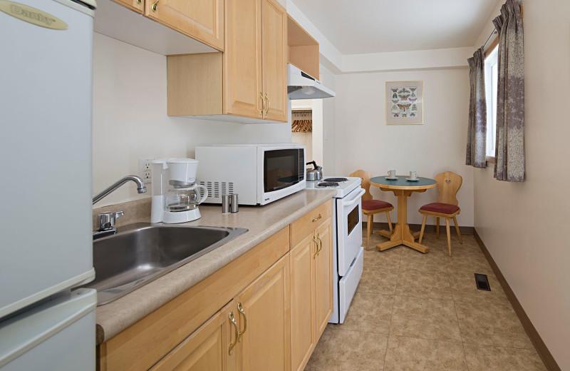 Guest kitchen at Rocky Mountain Ski Lodge.