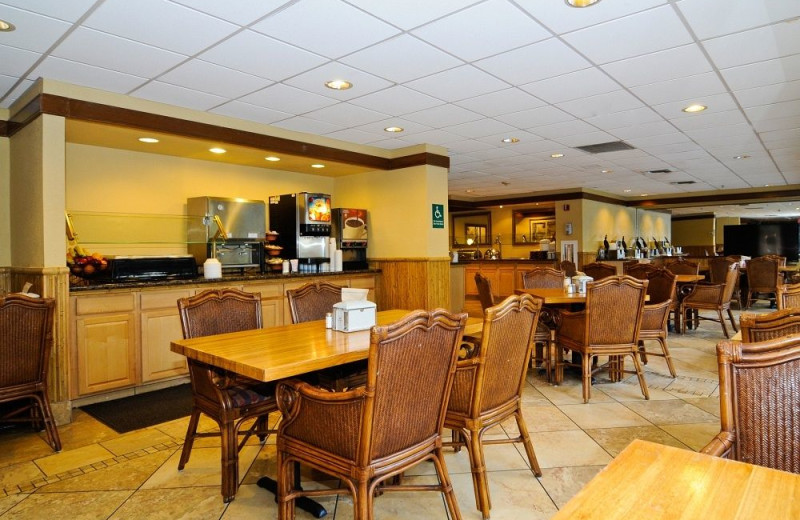 Breakfast room at Best Western Plus Oceanside Inn.