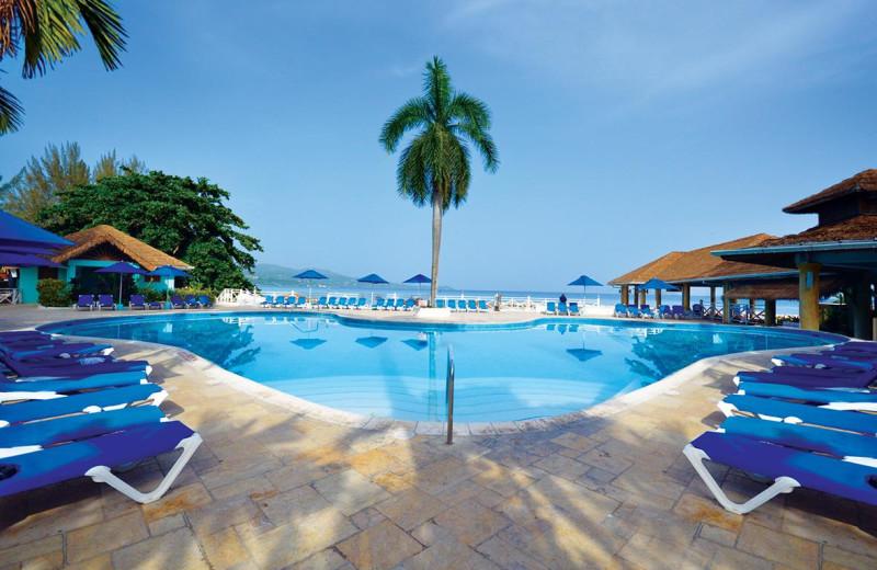 Outdoor pool at Sunscape Splash Montego Bay.