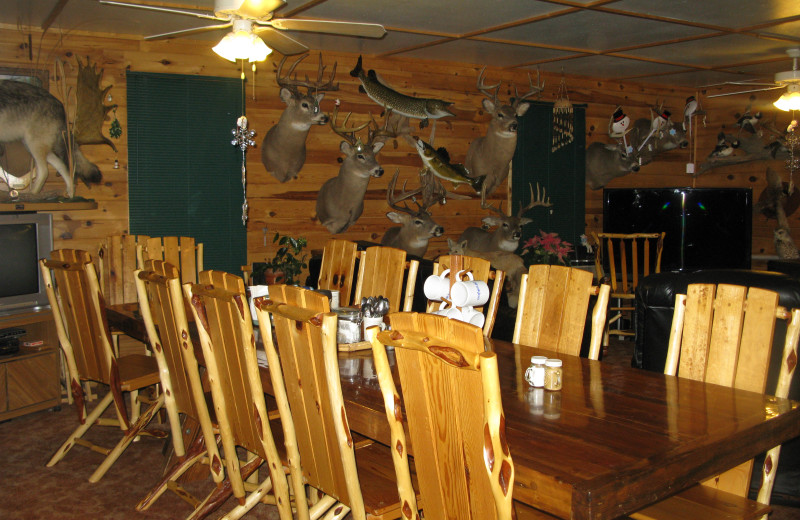 Dining at Harris Hill Resort - Lake of the Woods.