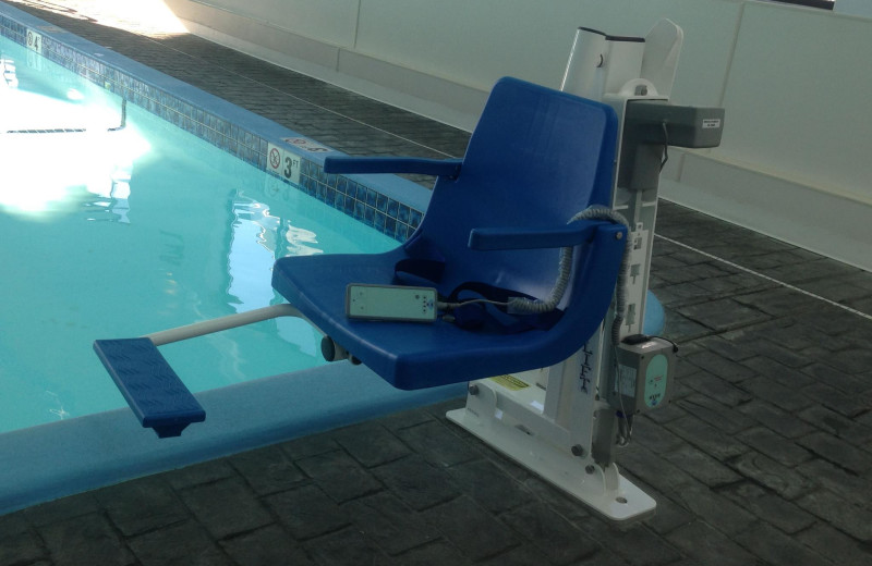 Handicapped assessable pool at Harbor Lights Resort.