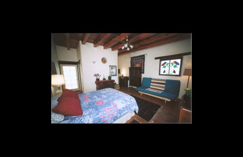Guest room at Crickethead Inn.