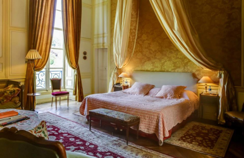 Guest room at Château d'Etoges.