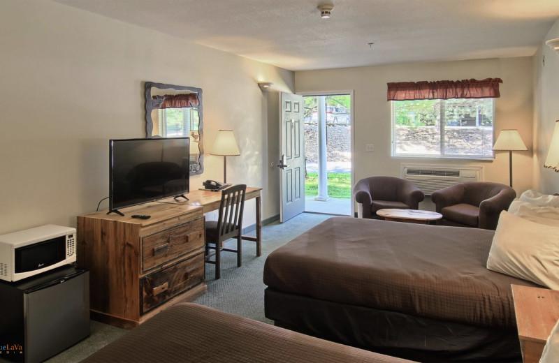 Guest room at Hawk's Eye Golf Resort.