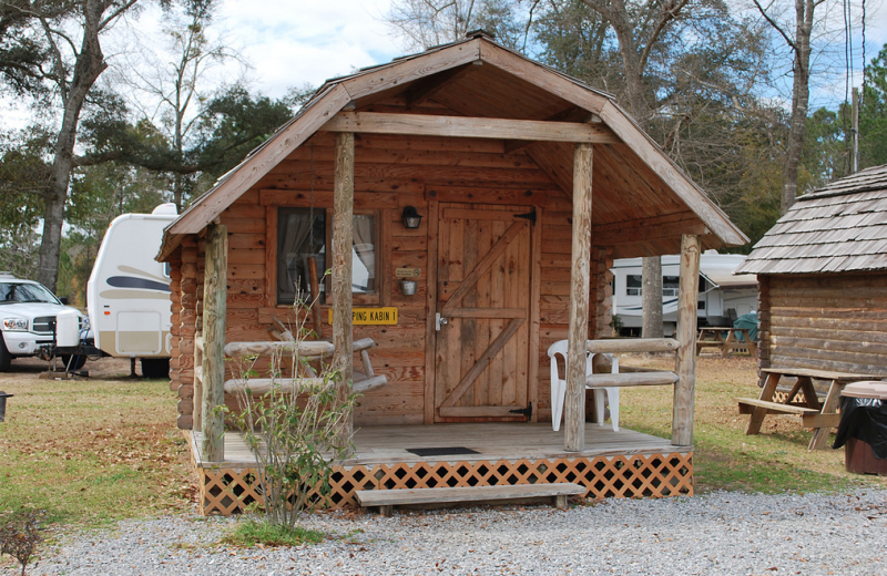 Cabin exterior at Gulf Pines RV Park.