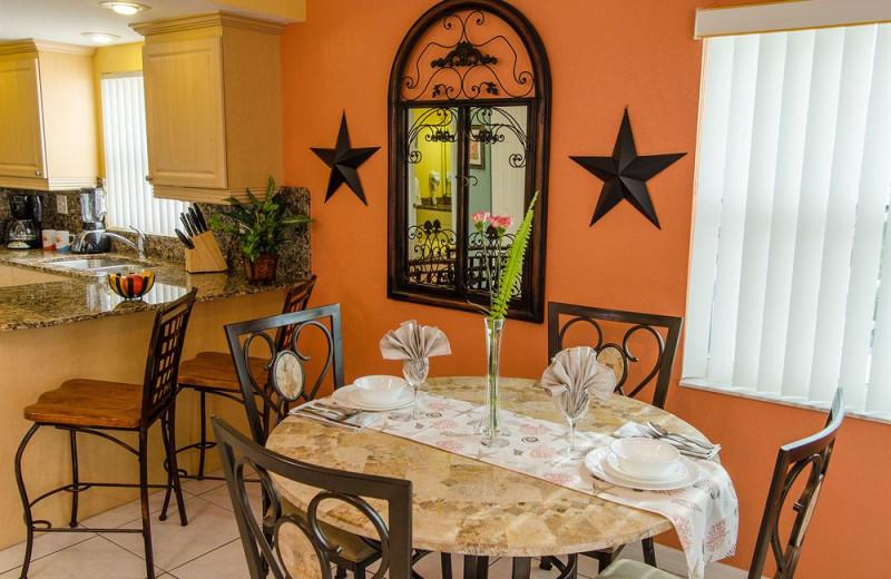 Rental dining area at Sunsational Beach Rentals. LLC.